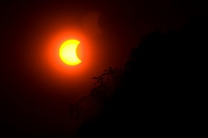 pinhole-glasses-eclipse